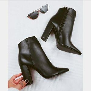 🆕️The Toronto// black boot